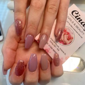 Cindy Nails And Beaty Nail Extensions With Sparking Designs