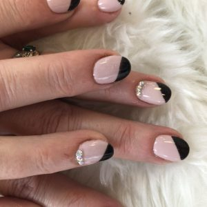 oval shape nail extensions with diamonds