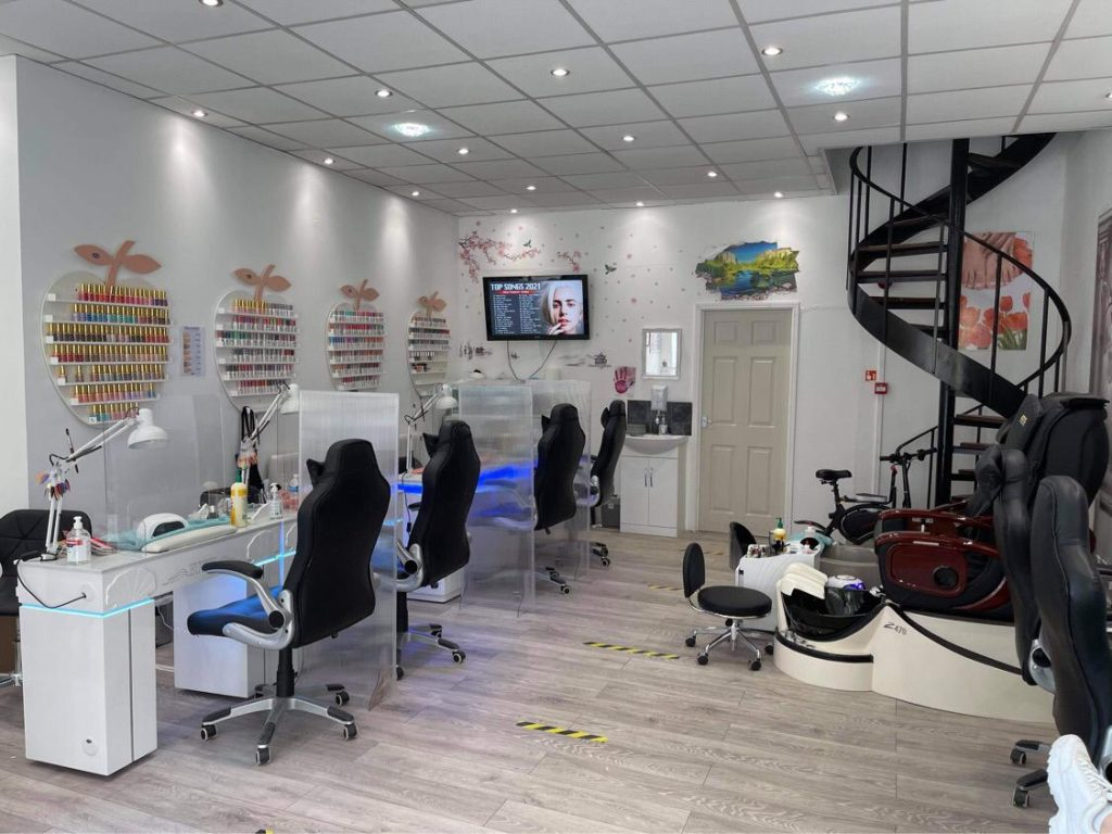 cindy-nails-and-beauty-derby-interior-3